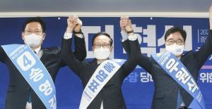 '쇄신론' 옅어지고 결국 당권도… 친문 경쟁 심화