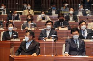 민주당, '경선 일정 연기' 결론 못 내… 25일 재논의키로