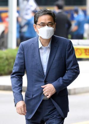 [속보] 곽상도, '아들 화천대유 50억'논란에 국민의힘 탈당